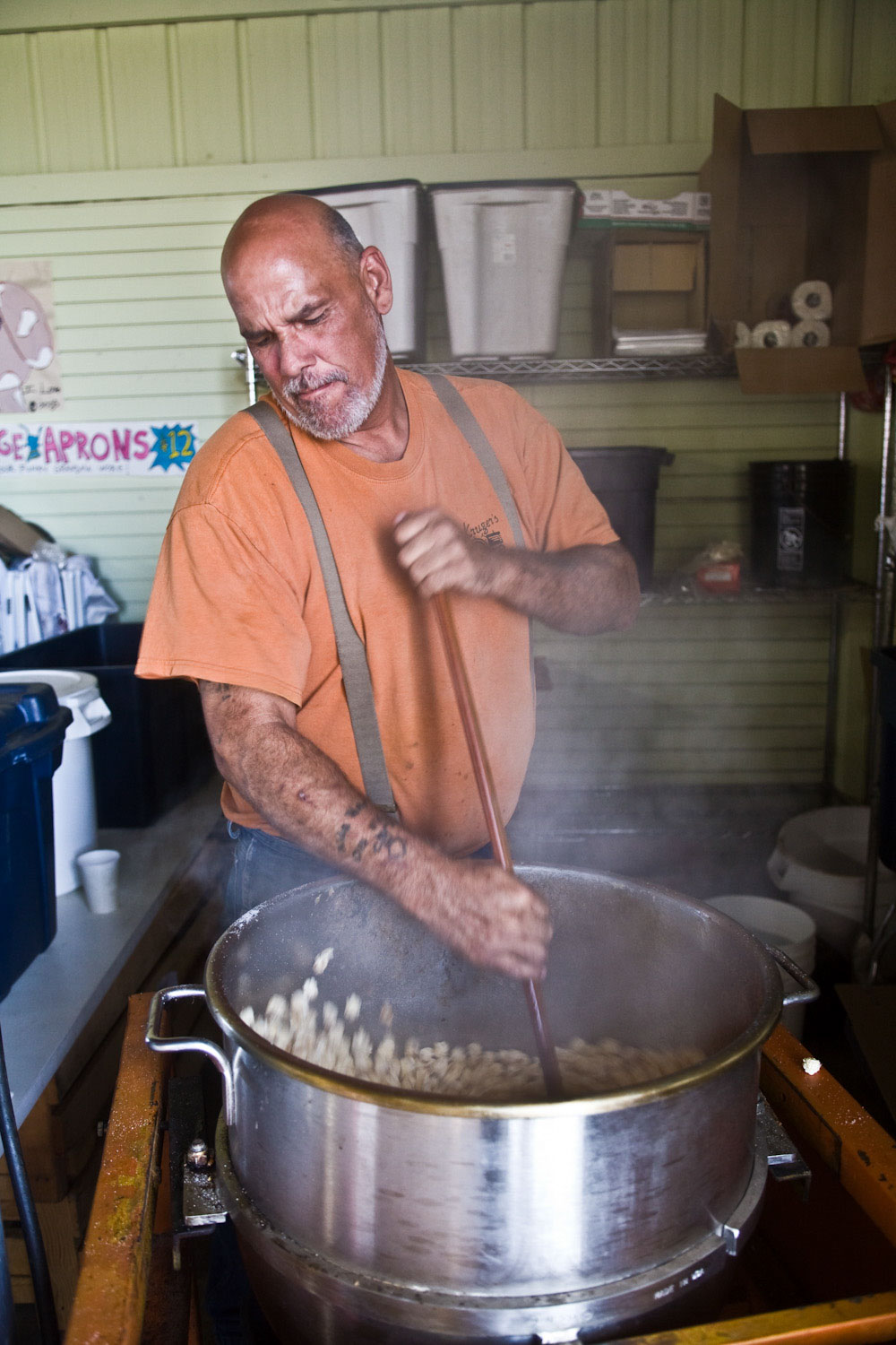 Gary Abraham, owner of the Rolling Donut, making kettle corn at Kruger's Farm in Oregon.
