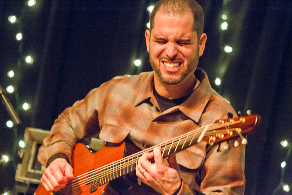 Charlie Hunter playing guitar